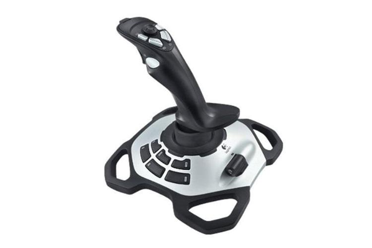 avis-Logitech-Extreme-3D-Pro-S-Joystick
